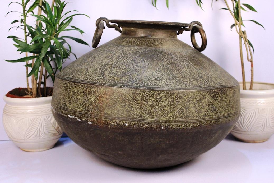 Bronze planter-23.5 x 30.25 inches