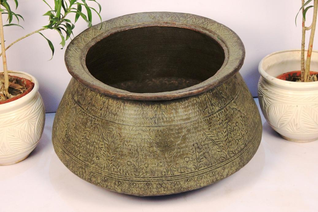 Bronze planter-16.5 x 28.25 inches