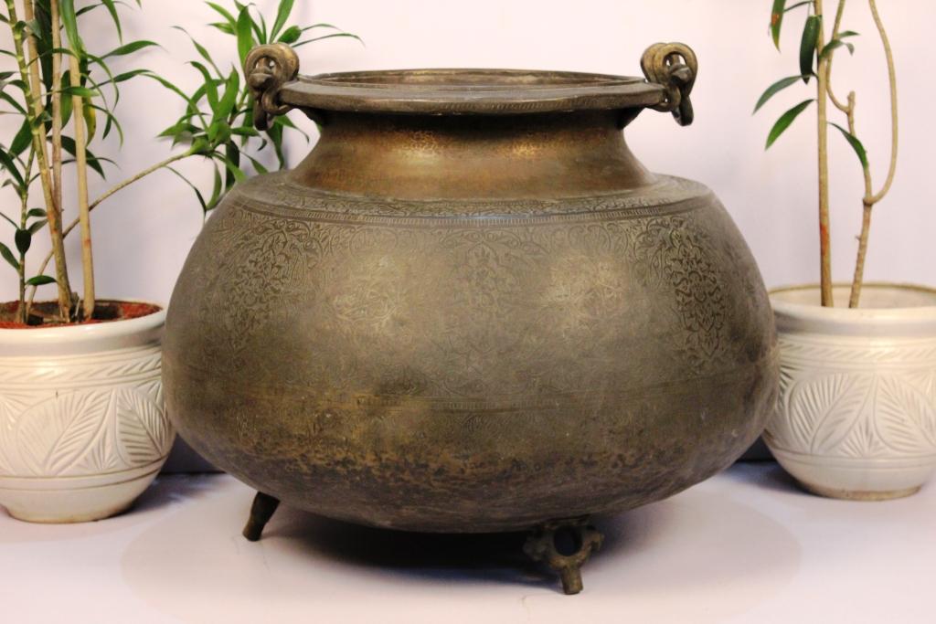 Bronze Planter-24.5 X 27.5 Inches