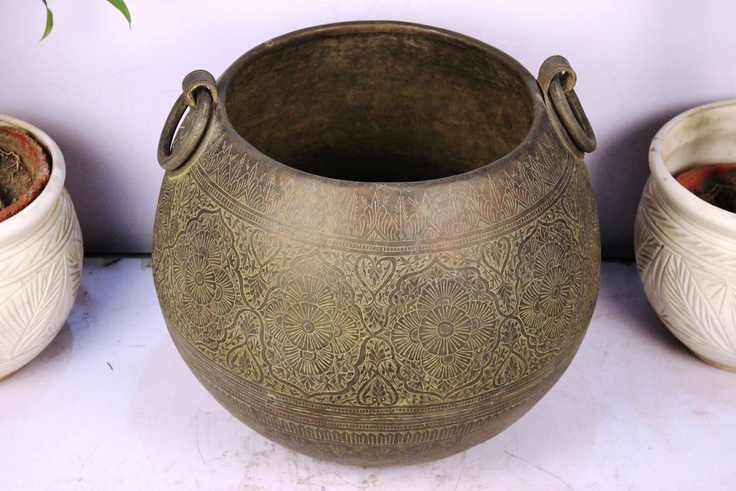 Bronze planter-16.5 x 19 inches