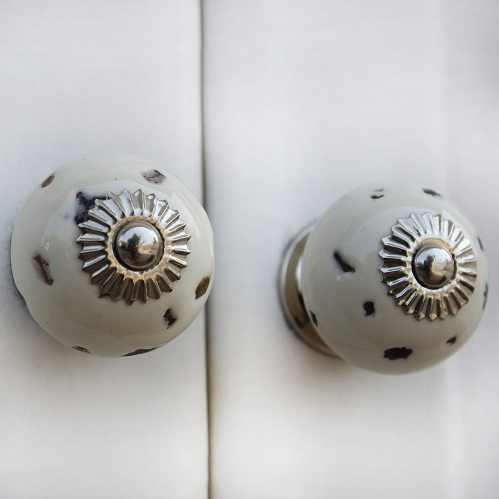 Cream Etched Round Knob