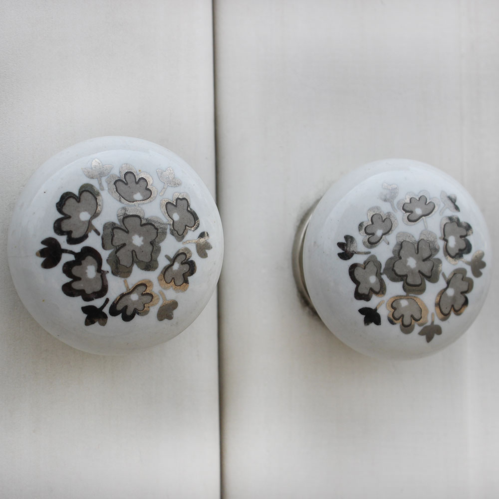 Silver Flower Flat Knob