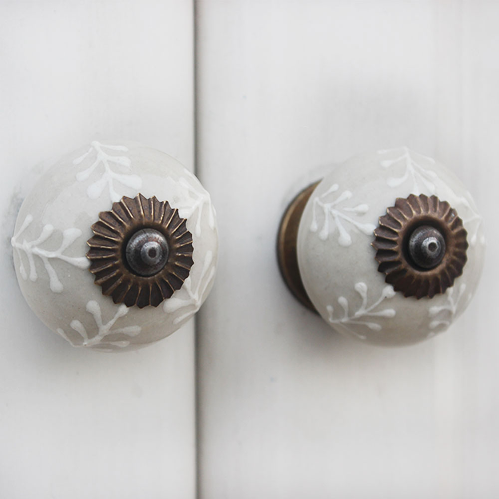 Cream Leaf Ceramic Knob