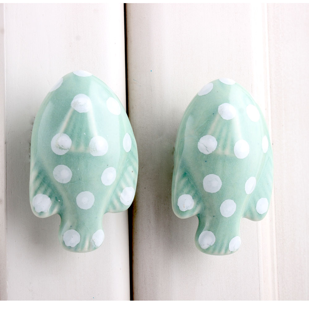 Green Fish Polka Dot Knob