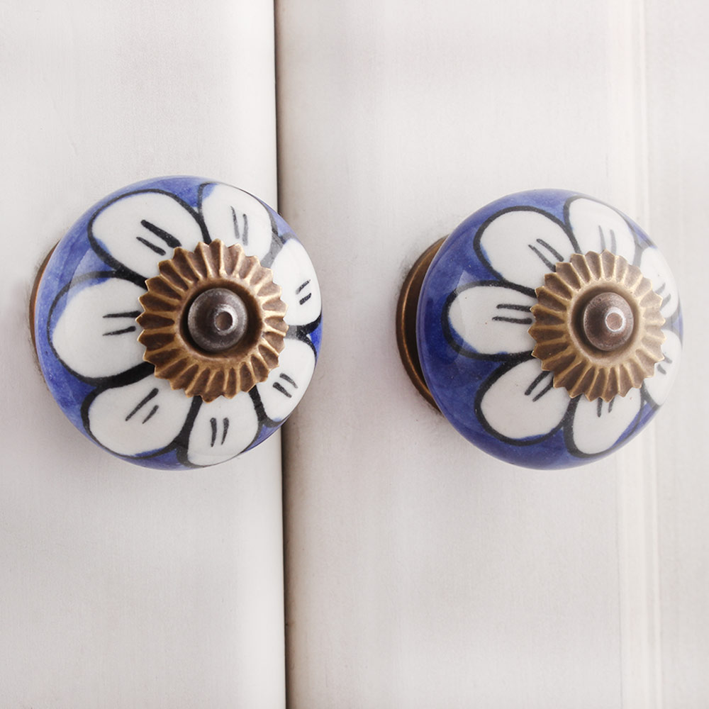 White Sunflower Knob