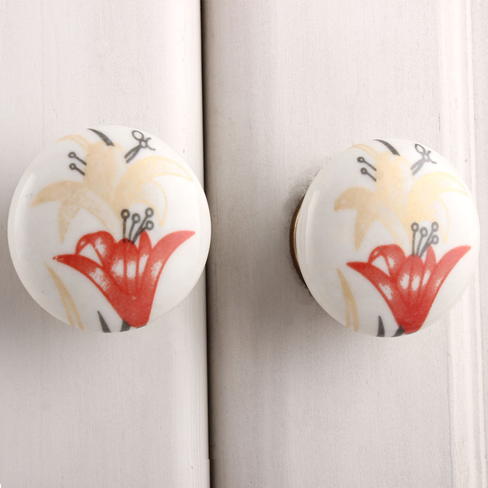 Red Golden Lily Flower Flat Knob