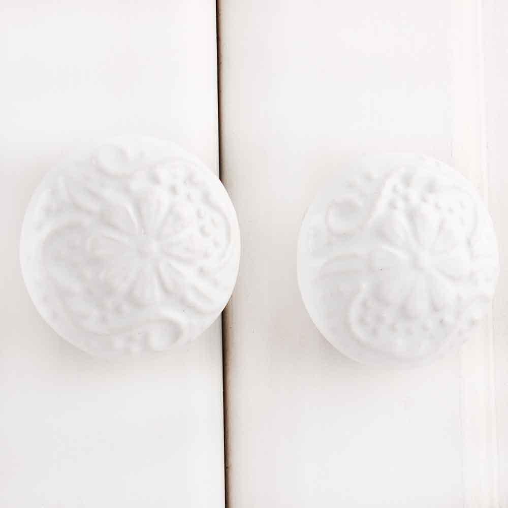 White Daisy Flower Float Knob