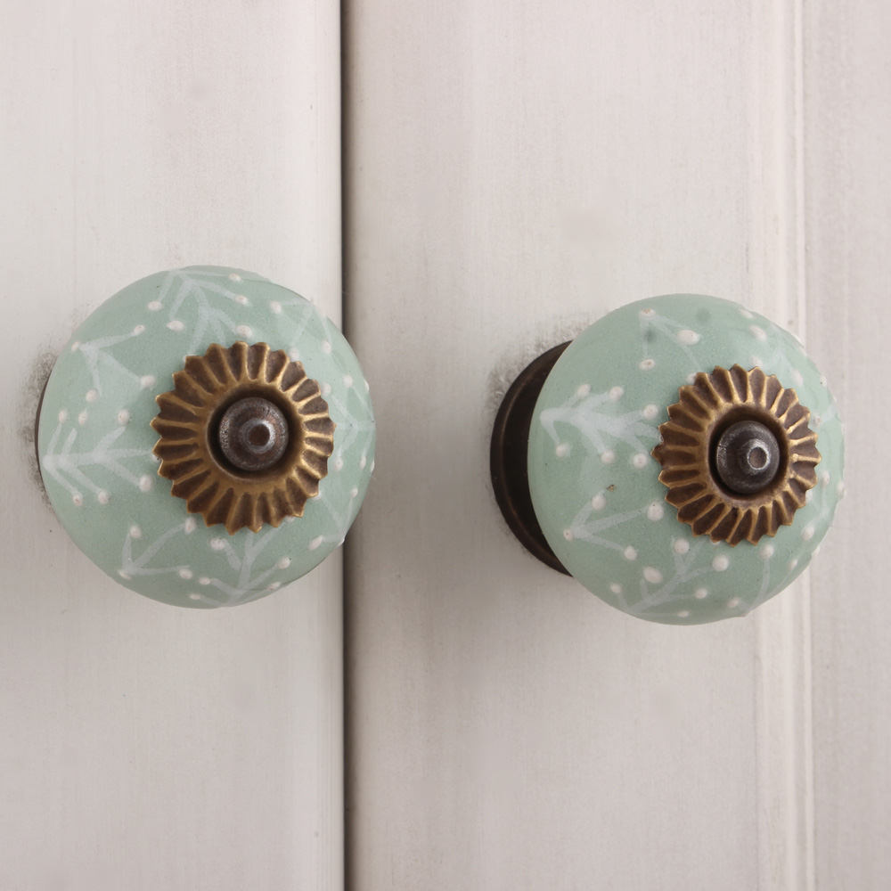 Sage Green White Leaf Knob