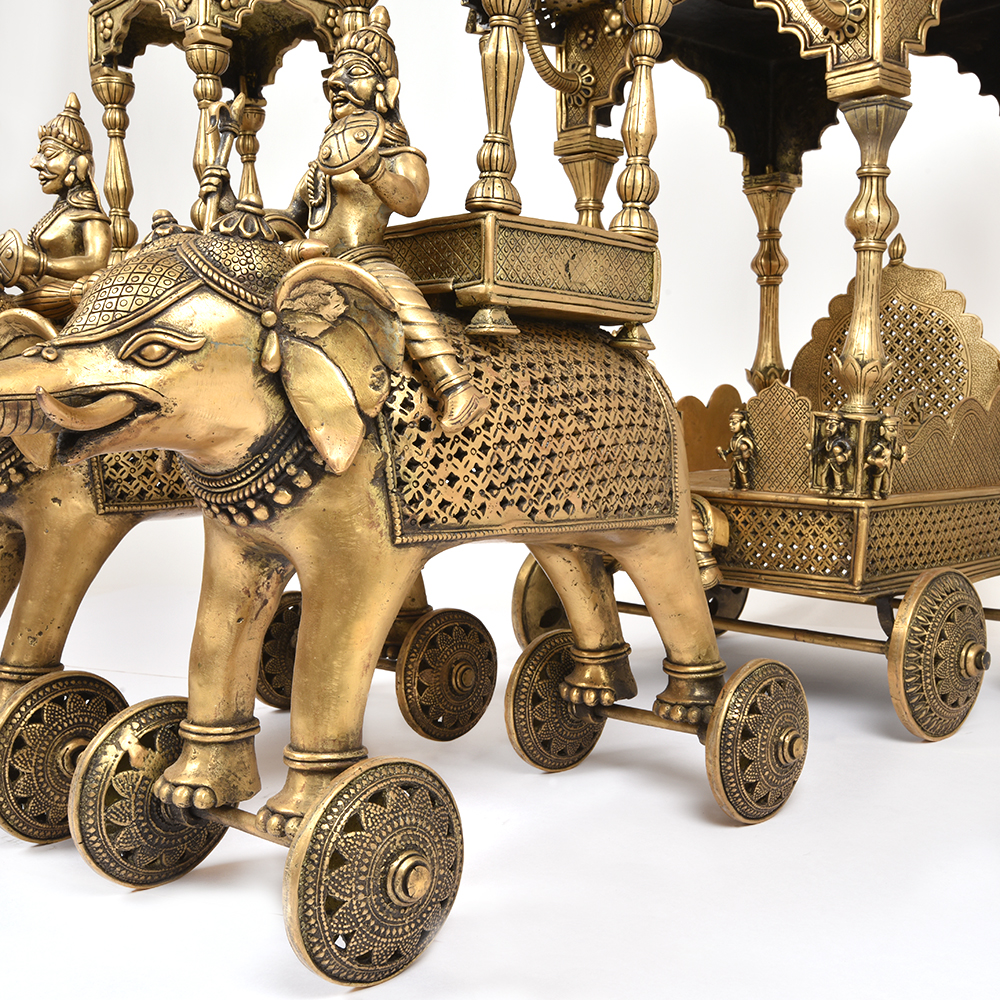 Big Golden Bronze Chariot