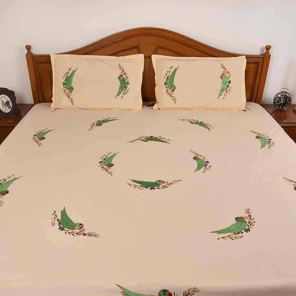 Parrot Circular Pattern Bedsheet