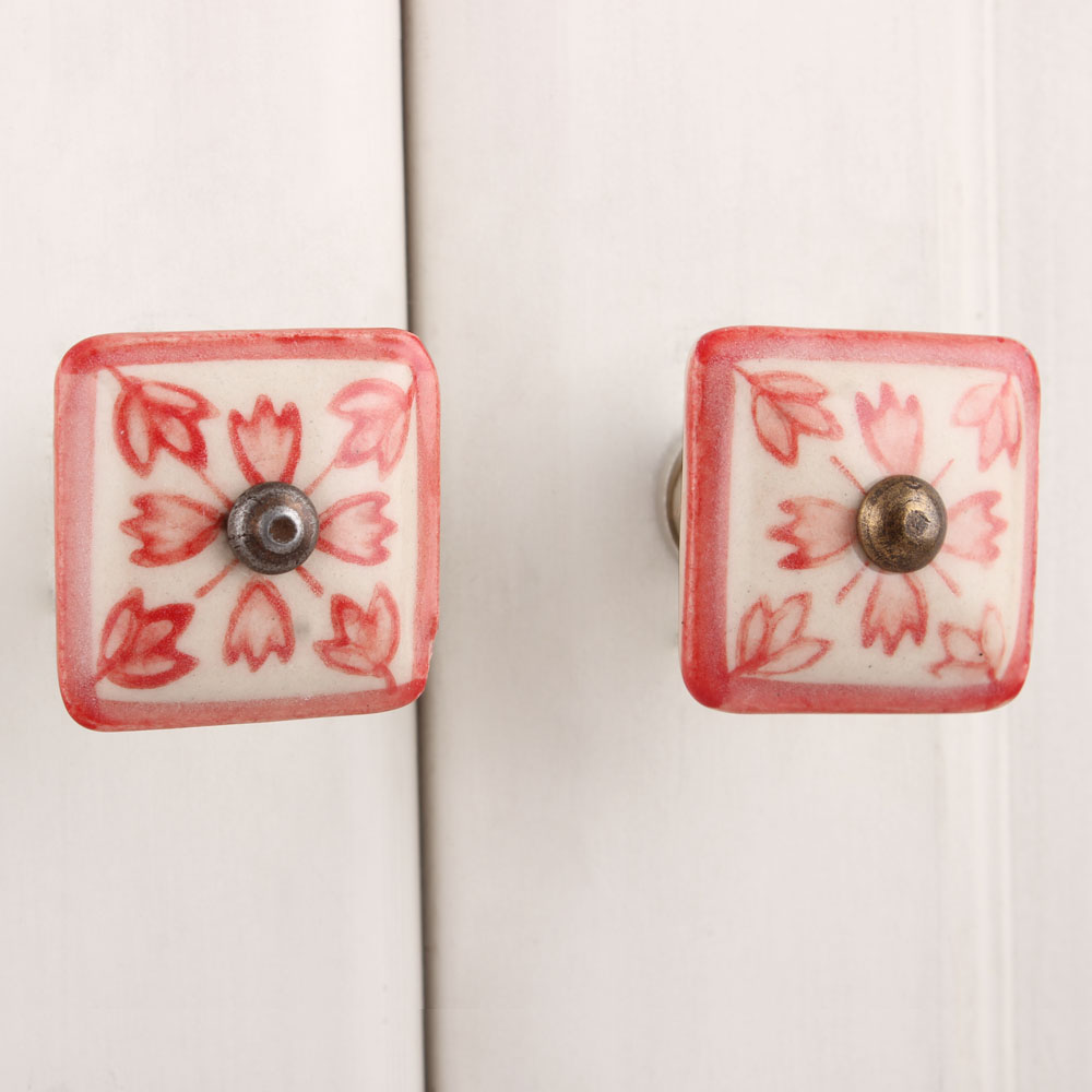 Red Lily Square Knob (1)