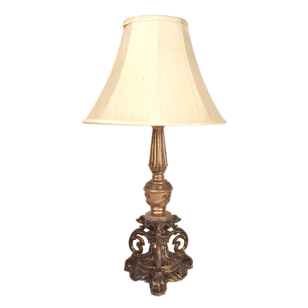Traditional Classics Metal Table Lamp