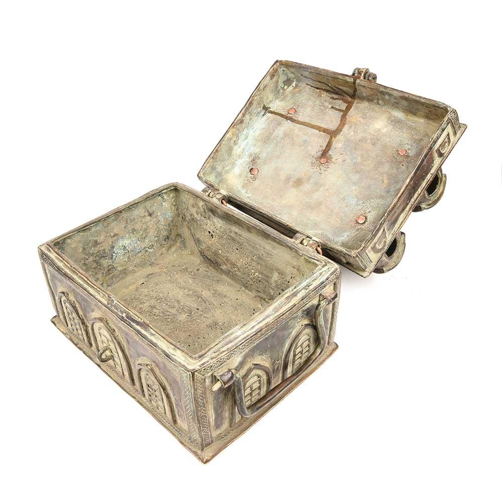 Old fort Design in Brass on Vintage (Trunk Up) Box