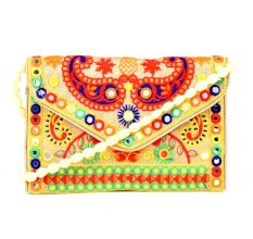 Cream Pasley Design Embroidered Purse