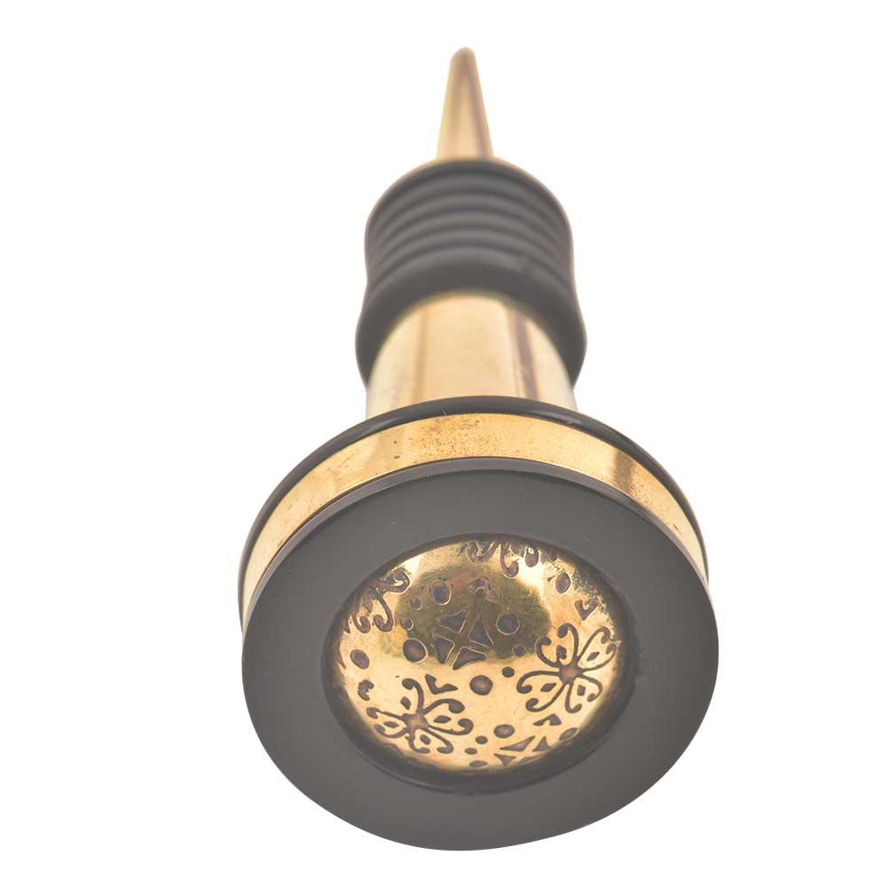 Black And Golden Brass Tiny Flower Resin Wine Stopper