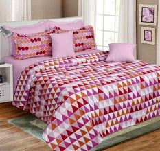 Scattered Triangle Printed Pink Cotton Bedsheet With Two Pilow Cover