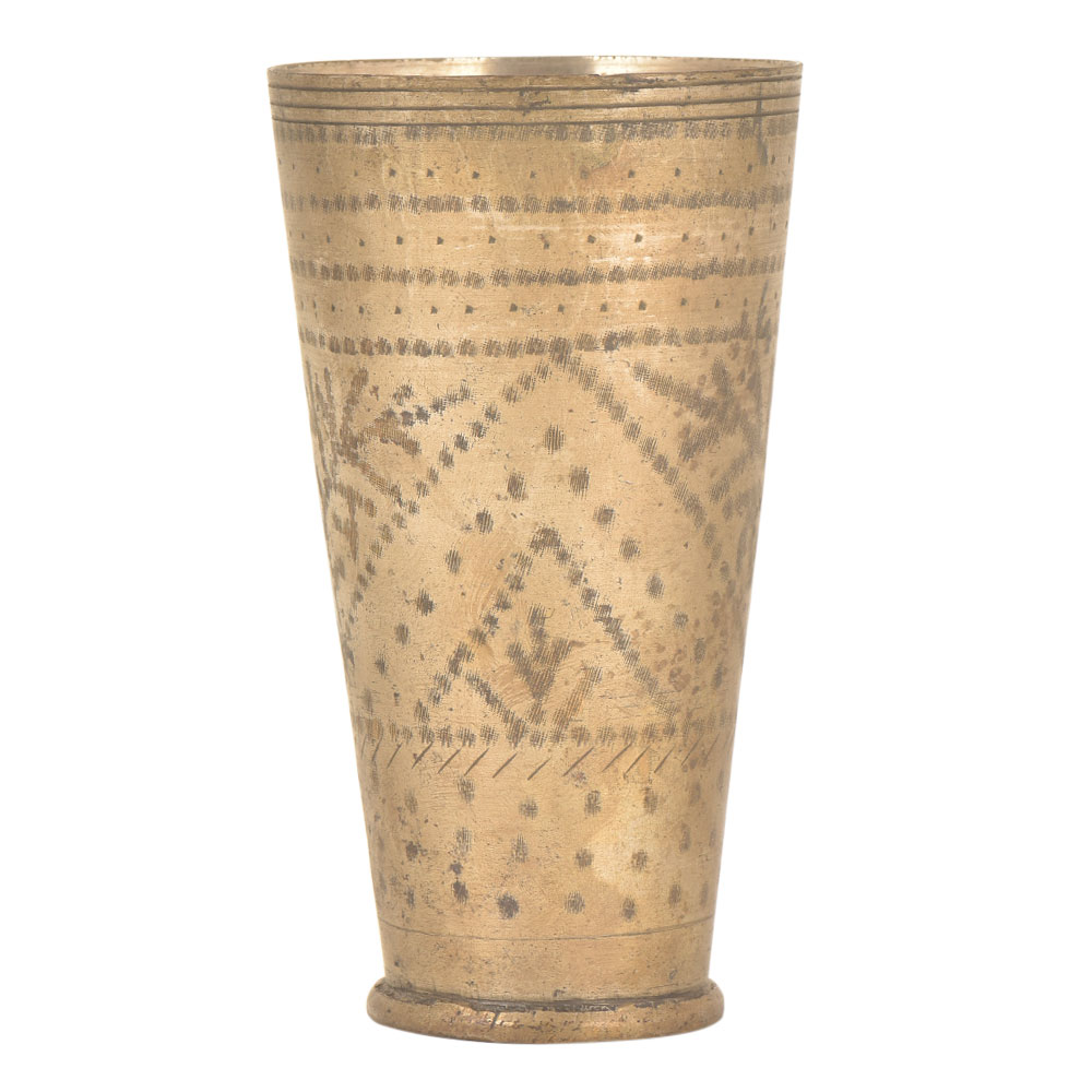Dotted Leaf In Triangular Design Popular Brass Tumbler Or Glass