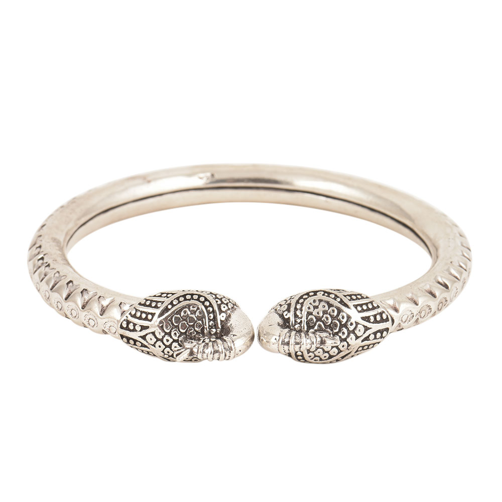 925 Sterling Silver Striated Kada With Peacock Head Ends Women Bangle
