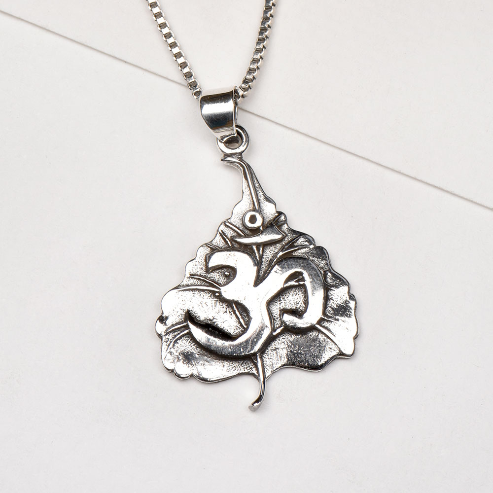 Hand Crafted 92.5 Sterling Silver Leafy Aum Pendant