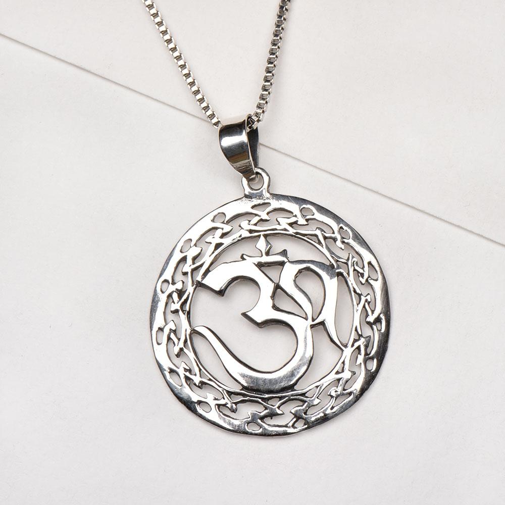 925 Sterling Silver Pendant Round Floral Border Om Symbol Pendant