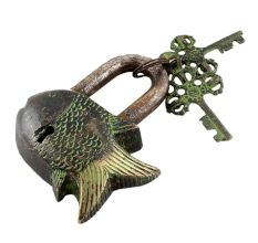 Brass Design Fish Lock with Twin Keys Patina Finish