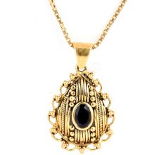 Single Blue Sapphire Oval Stone Engraved 18 K Gold Pendant
