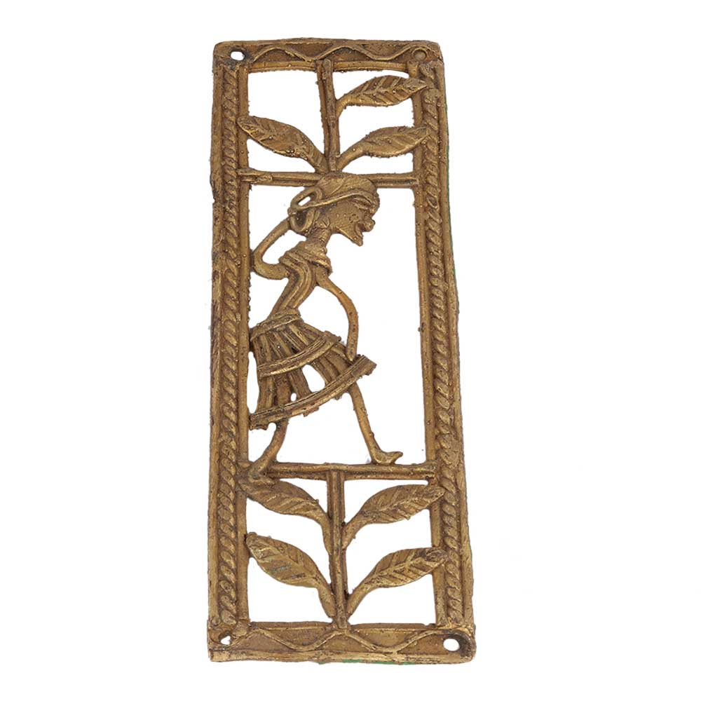 Amazing Brass Metal Artwork Depicting Female And Nature